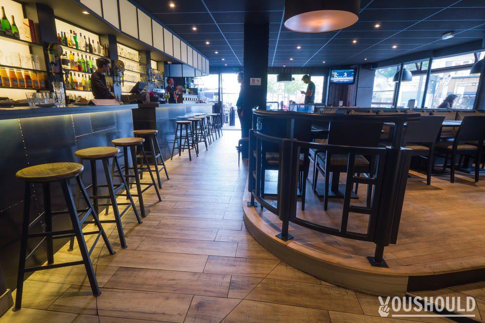 le caf de rennes book this bar centre rennes youshould. Black Bedroom Furniture Sets. Home Design Ideas