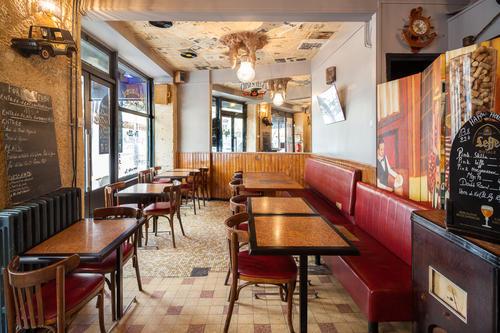 Landon Cafe Chez Adel