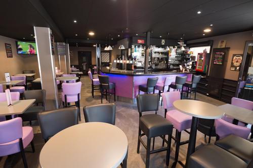 Le Zola bar