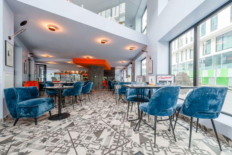 Café Dad - Top 10 des bars à terrasse Parisiens à privatiser ou à réserver gratuitement.