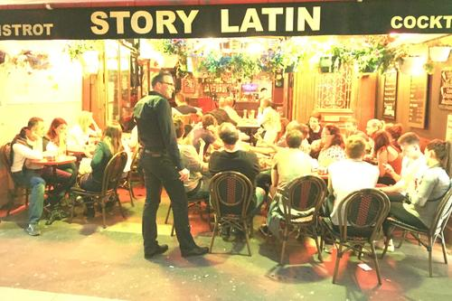 Le Story Latin